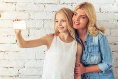 Mom och dotter Royaltyfri Fotografi