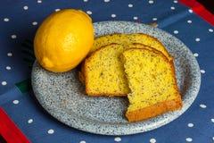 Free Mom`s Homemade Zesty Lemon Poppy Seed Bread Stock Photo - 162443740