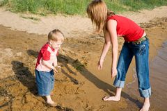 Mom and son. At the sea Royalty Free Stock Photos