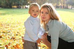 Mom with son in the park Royalty Free Stock Photography