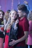 Momen и танцы человека на ночном клубе Стоковая Фотография RF