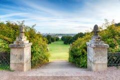 Moment i en formell trädgård Royaltyfri Foto