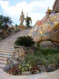 Moment till det färgrika paradiset på Dhamma reträtt Arkivbild
