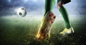 Momento de la meta del fútbol Técnicas mixtas Imagenes de archivo