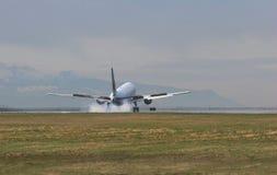 Momento del aterrizaje Foto de archivo libre de regalías