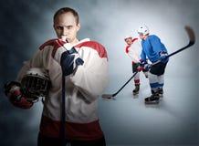 Momento del gioco di hockey su ghiaccio fotografia stock libera da diritti