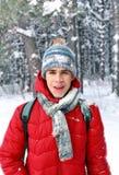 Momento del wow El caer de una bola de nieve del árbol Foto de archivo libre de regalías