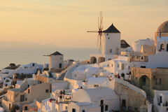 Momento di Sunsetting dell'isola di Santorini Fotografie Stock Libere da Diritti