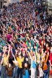 Momentos de destello de la danza de la multitud de la Eurovisión Fotos de archivo