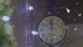 Momentos do pulso de disparo do ano novo dois minutos antes da meia-noite vídeos de arquivo