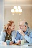 Moments heureux dans la vie pluse âgé Photos libres de droits