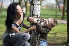 Momia con el hijo Foto de archivo