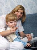 Momia con el niño fotografía de archivo libre de regalías