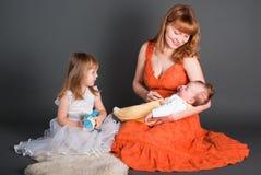 Momie avec un descendant et un gosse nouveau-né Photos libres de droits