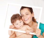 Mommy med den söta litet barn Royaltyfri Fotografi