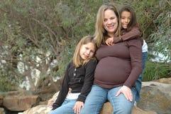 mommy mitt gravid arkivfoto