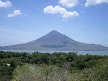 Momotombo-Vulkan, Nicaragua lizenzfreie stockfotos