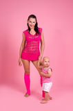 Momspelrum med henne son Arkivfoton