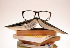 Monóculos nos livros 2 Imagem de Stock