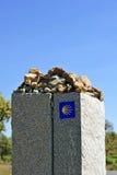 Monólito de pedra no através de la Plata perto de Castilblanco, província de Sevilha, a Andaluzia, Espanha Fotografia de Stock Royalty Free