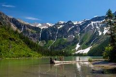 Φυσικές θέες βουνού, λίμνη χιονοστιβάδων, εθνικό πάρκο Mon παγετώνων Στοκ εικόνα με δικαίωμα ελεύθερης χρήσης