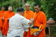 Mon buddhist monks collecting alms Royalty Free Stock Images