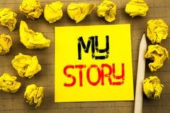 Mon histoire Le concept d'affaires pour dire indiquent au sujet de vous écrit sur le papier de note collant sur le fond de vintag Photo libre de droits