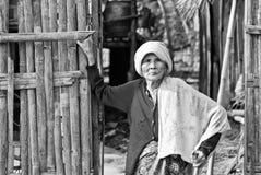 Mon kobiety niezidentyfikowane stare etniczne pozy dla fotografii Fotografia Royalty Free