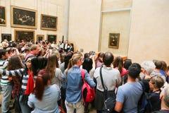 Mona Lisa - en el museo del Louvre Imágenes de archivo libres de regalías