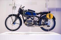 MONACHIUM, NIEMCY -, CZERWIEC 17: BMW RS 255 motocyklu Profilowy widok Sho Obraz Royalty Free