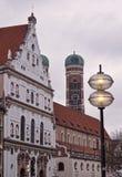 Monachium Niemcy europejczyka stylu starzy nowi budynki uliczni Zdjęcia Stock