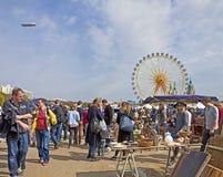 MONACHIUM Niemcy - na wolnym powietrzu giganta pchli targ Fotografia Royalty Free