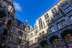 MONACHIUM Niemcy, Styczeń, - 17, 2018: Podwórze Nowy Magistracki Neues Rathaus zdjęcie stock