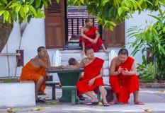 Monaci del principiante in Luang Prabang Laos immagine stock libera da diritti