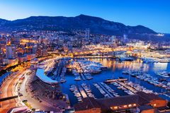 Monaco am blauen Stunden-Abend stockbilder