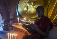 Monaco del principiante nel Myanmar bagan immagini stock