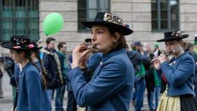 MONACO DI BAVIERA, BAVIERA, GERMANIA - 11 MARZO 2018: Chiuda su sulla donna pl Immagini Stock Libere da Diritti