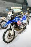 Monaco di Baviera, Germania - 10 marzo 2016: Motociclo classico al museo di BMW e guardolo a Monaco di Baviera Fotografie Stock