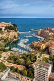 Monaco flyg- sikt över Port De Fontvieille Arkivfoto