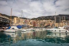 Monaco linia horyzontu Od Portowego Hercule Zdjęcia Stock