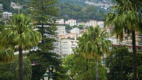 Monaco pejzaż miejski z wiele mieszkanie domami zielonymi drzewami i, stwarza ognisko domowe dla czynszu zbiory