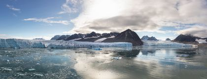 Monacobreen -摩纳哥冰川在Liefdefjord,斯瓦尔巴特群岛,挪威 免版税库存图片