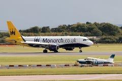 Monarca Airbus A320 Fotos de Stock
