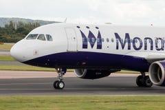 Monarca Airbus A320 Fotos de Stock Royalty Free