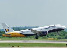 Monarca Airbus A320 Foto de Stock Royalty Free