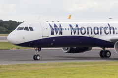 Monarch Airbus A320 stockfotografie