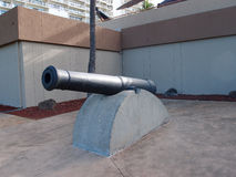 Monarchy Cannon on display at the Army Museum. In Waikiki.  The Cannon was one of a battery of Twelve Guns Placed on Punchbowl Crater by the Hawaiian Monarchy Royalty Free Stock Image