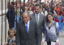 Monarchy 011. Spain´s King Felipe (2R) and Queen Letizia, arrive with previous King Juan Carlos and his Granddaughter Sofia to Palma de Mallorca Cathedral to Stock Photography
