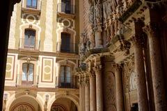 Monastère antique du ` s d'hommes sur le bâti Montserrat dans les périphéries de Barcelone photo stock