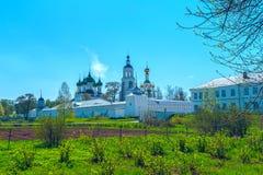 Monastère blanc près de Yaroslavl Images stock